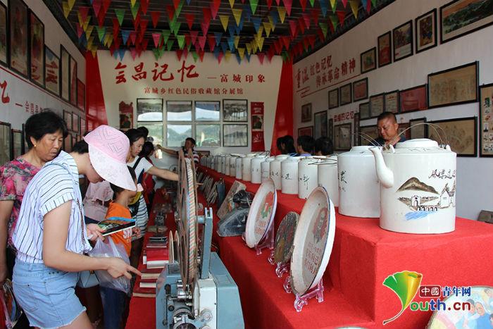 江西会昌:民俗文化旅游节火爆 来往游客络绎不绝