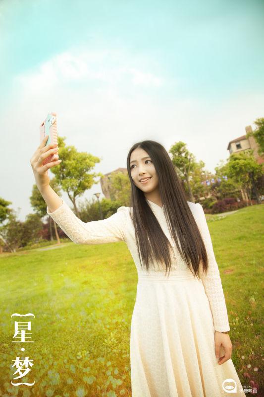 """1,微信:关注江南都市报官方微信或者是微信:""""韩式校花"""",在对话框中"""